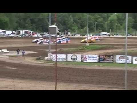 Team 33B  Mark Burgtorf Quincy Raceways Ron Elbe crash 5/31/15