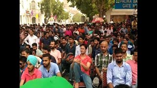 ICC Champions Trophy 2017: Delhiites enjoy India-Pak match at Connaught Place thumbnail