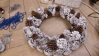 DIY:  Рождественский венок из шишек своими руками!