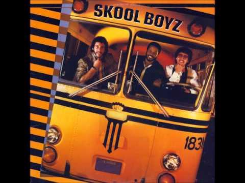 Skool Boyz - Breakin' Out