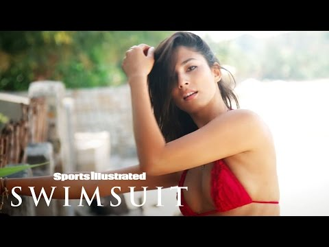 Jessica Gomes Sexy Outtakes | Sports Illustrated Swimsuit