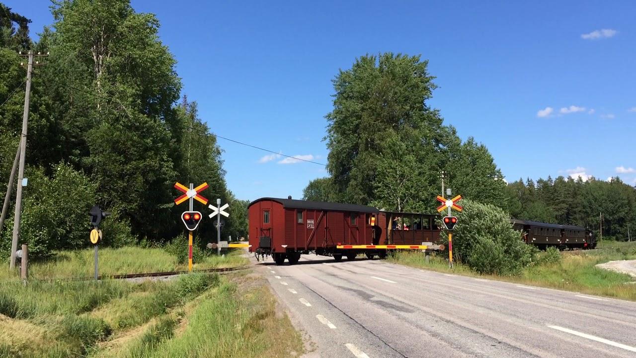 Gammal järnvägsövergång i Faringe / Swedish vintage railroad crossing