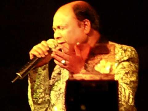 Muhammad Rafi tu bohat yaad aya - Mohd Aziz sings for Mohd Rafi