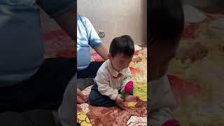 조용한 9개월 아기의 장난감을 뺏으면?!