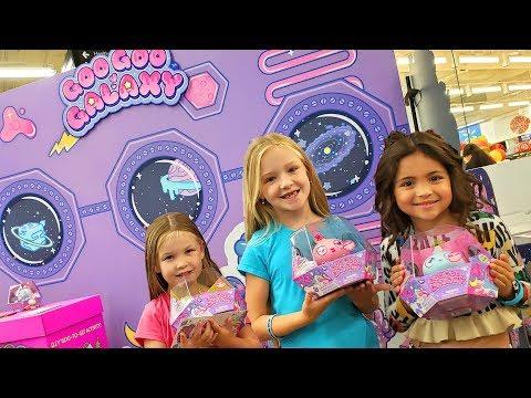 Goo Goo Galaxy Aliens Crash Land at Walmart! Meeting Ava and Ninja Kids!