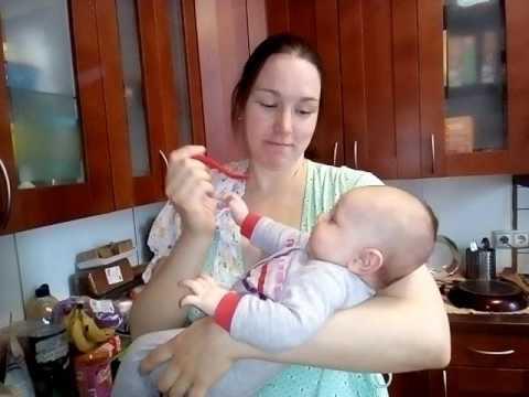 Как дать ребенку капли