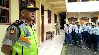 Polsek Tandes Silahturahmi Di SMP Dharma Bhakti Surabaya