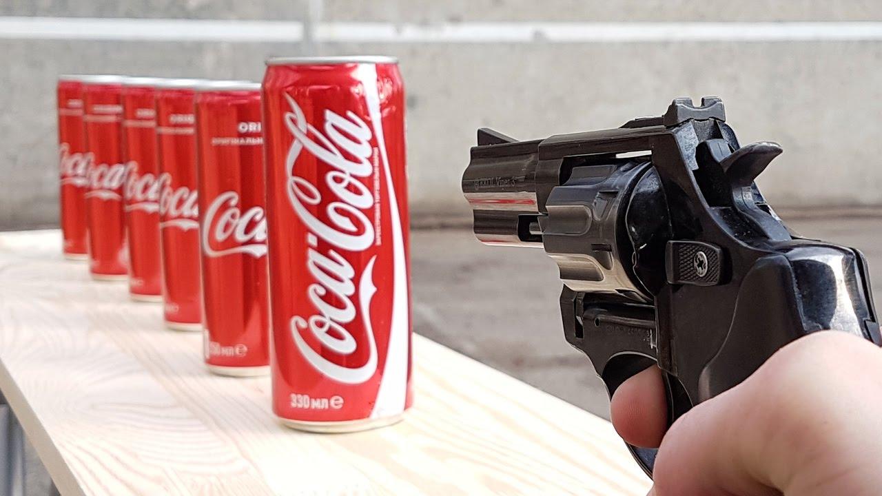 Експеримент! Колко кенчета с кока кола ще пробие този куршум, изстрелян с пистолет!