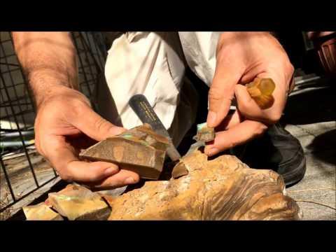 Splitting boulder opals