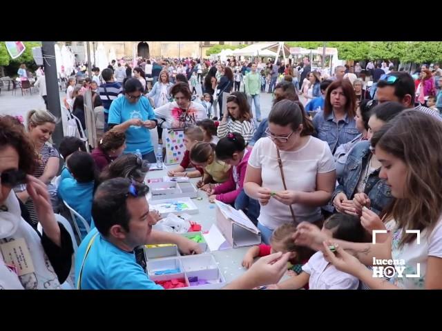 """VÍDEO: Nuevo éxito del programa """"Tarde de Libros"""" en la Plaza Nueva. Te lo contamos en este vídeo"""