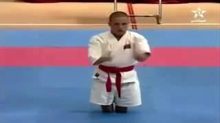 Clip giải trí Võ sĩ cụt tay chân đánh ngã 2 võ sĩ khỏe mạnh gây sốt