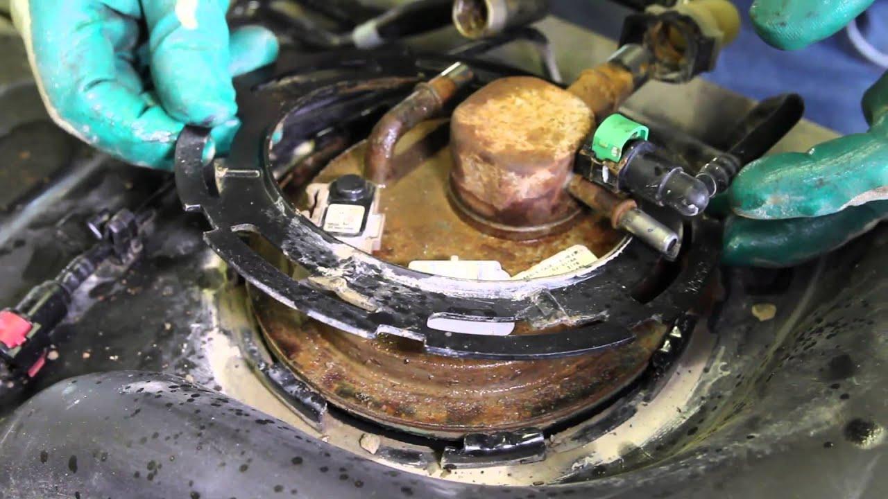 2007 chevy silverado fuel filter location