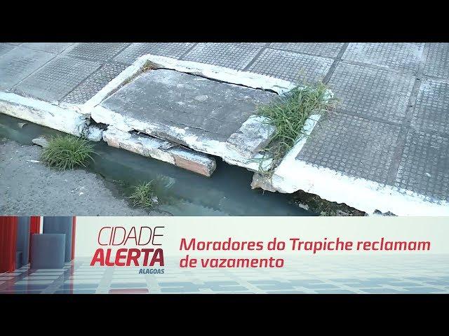 Moradores do Trapiche reclamam de vazamento de esgoto