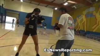 Female Police Officers Boxing - EsNews