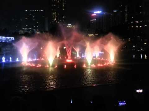 KLCC - Water Fountain with Music (Cindai)