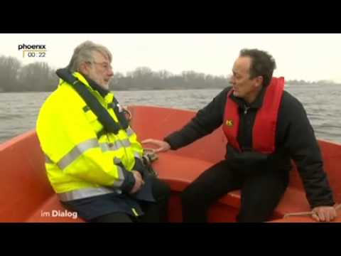 """Phoenix 07.12.2013: IM DIALOG mit Stefan Schmidt (""""Cap Anamur"""", Flüchtlingsbeauftragter von SH)"""