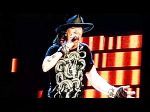 Guns N Roses live in Singapore - Paradise City
