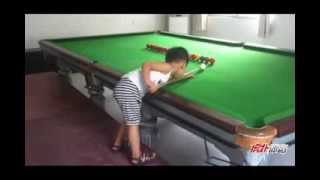 Repeat youtube video Next Ronnie O'Sullivan? Chinese 3-year-old Snooker Prodigy