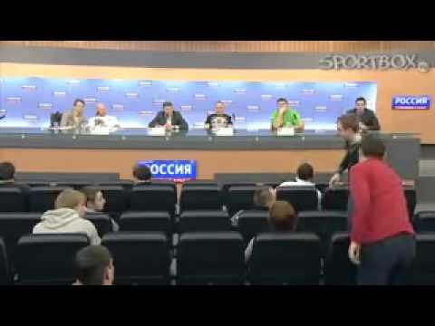 Press-konferenciya-Aleksandra-Emeliyanenko-i-Dzheffa-Mons