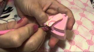 Очень красивый и простой дизайн на ногтях.