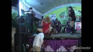 Download Video Beginilah kalau Tukang sate alih profesi jadi biduan dangdut PANTURA  VIRAL! MP3 3GP MP4
