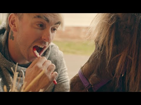 "All Time Low - ""Sleeping In"" (OFFICIAL VIDEO)"