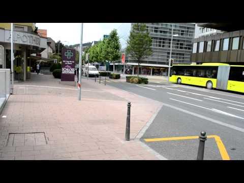アキーラさん①リヒテンシュタイン・ファドゥーツ市バス亭Vaduz,Liechtenstein