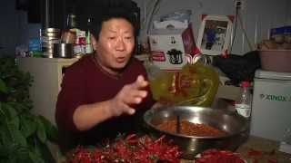 Man eats 2 kilos of chillies a day