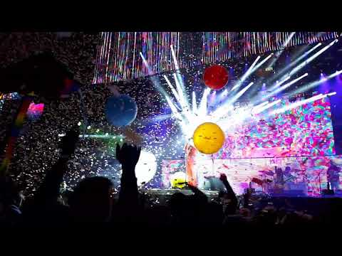 Flaming Lips Opening at Okeechobee 2018.   Race for the Prize