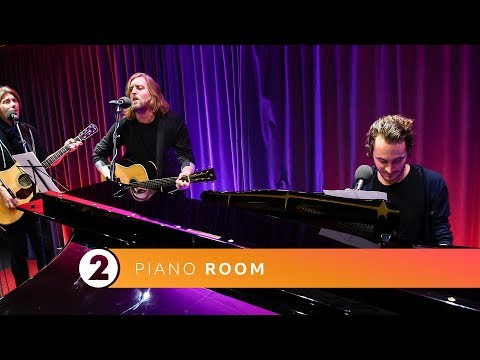 Smith & Burrows - When The Thames Froze (Radio 2 Jo Whiley & Simon Mayo Piano Room)
