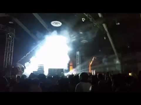 Cashmere Cat- Do You...(live) HARD Day of the Dead 2014