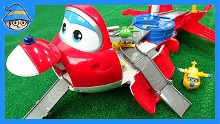 Super Wings airplane transform. Jett's Takeoff Tower Launcher Airport playset.