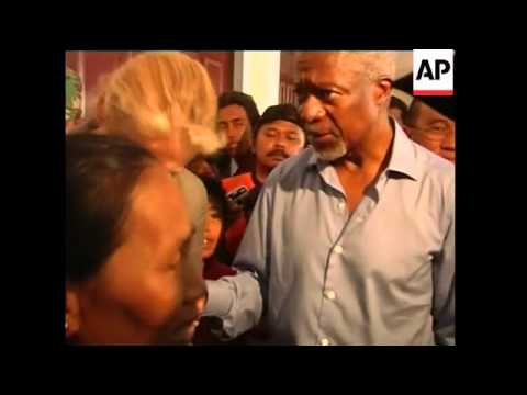 Annan visits devastated Aceh town of Meulaboh