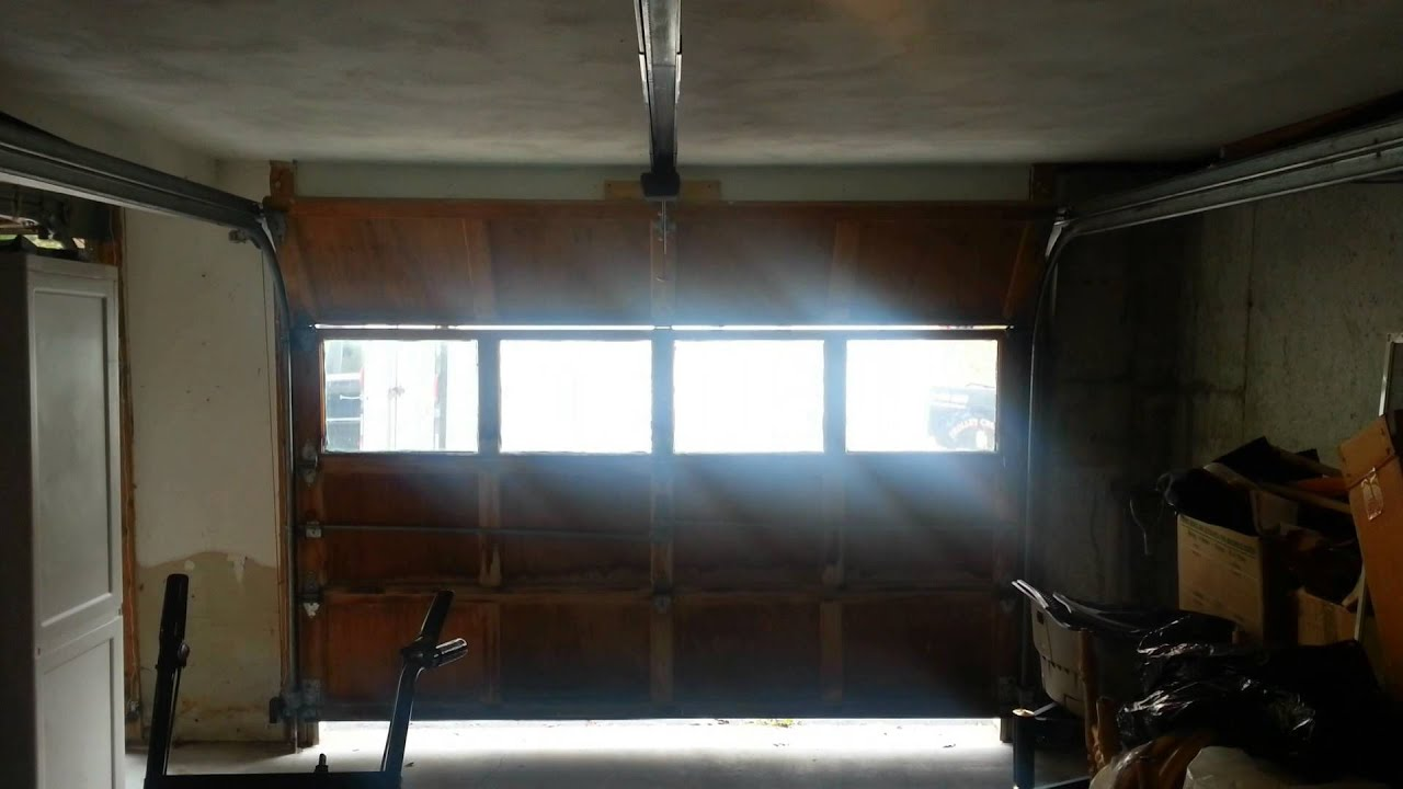Sommer Synoris 550 Garage Door Opener And Raynor Garage Doors Youtube