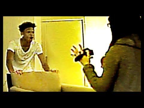 The Psycho Fan Prank - PrankVsPrankKaynak: YouTube · Süre: 4 dakika7 saniye