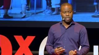 Au-delà du Bitcoin | Julien Mbony | TEDxQuébec