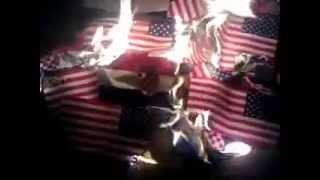 Paljenje Americkih i Hrvatskih zastava