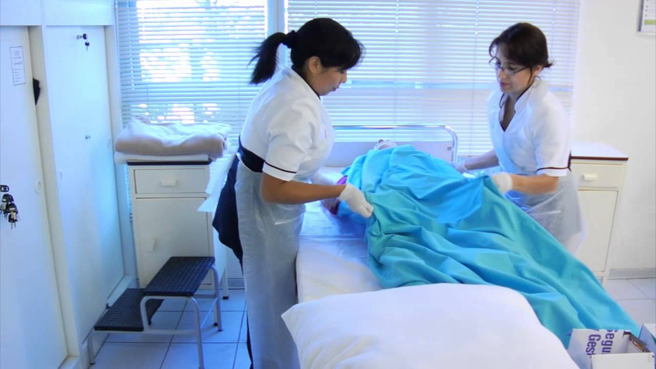 Cambio de Ropa de cama con pacientemp4  YouTube