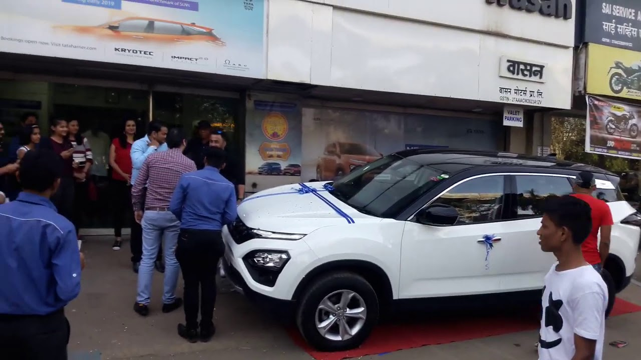 Tata Harrier Dual Tone White with Black Roof