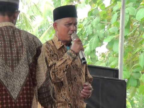 Pria Tunanetra Menyanyikan lagu Nasib Orang Buta RHOMAIRAMA
