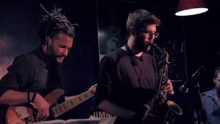"Mosaic ""Yellowjackets"" (VICTOR JIMENEZ & FRIENDS 2 Live At Jimmy Glass Jazz Bar)"