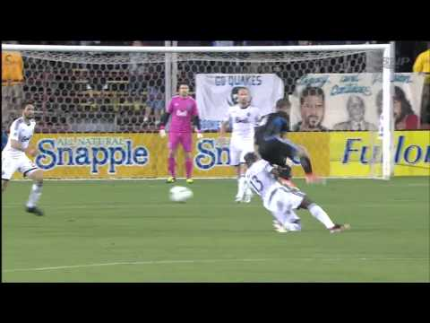 Vancouver Whitecaps FC at San Jose Earthquakes - Nigel Reo-Coker 88' Tackle - 2013-04-06 - HD