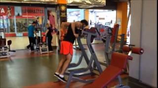 Отжимания на брусьях - тренировка грудных мышц(Интересные видео на нашем сайте http://fitnessplus.com.ua/, 2014-06-24T00:24:41.000Z)