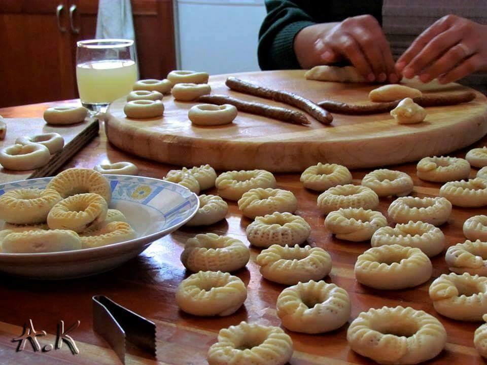 طريقة عمل الكحك و الغريبة و البيتي فور و البسكويت حلويات عيد الفطر المبارك