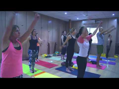 Shoulder strengthening yoga exercises - Get Flexibility - Yoga Teacher Training