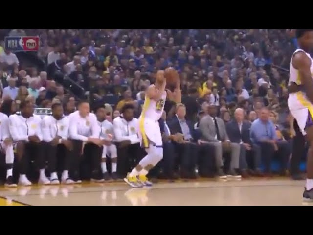 steph-curry-can-t-be-stopped-shooting-three-s-better-than-ever