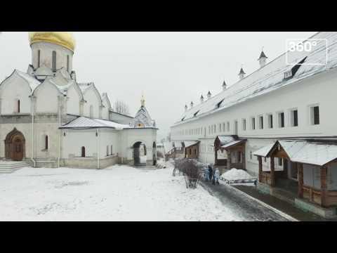 Как выглядит Саввино-Сторожевский монастырь в Звенигороде зимой