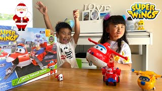 A Kidnapped Santa Claus! Super Wings Jett's Takeoff Tower Playset / Holly James TV