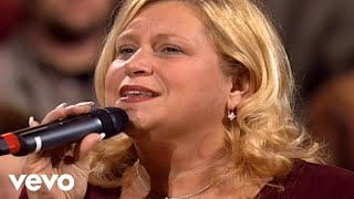 Watch Sandi Patty The Stage Is Bare video