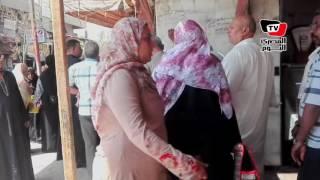 إقبال كثيف من المواطنين علي المجمعات الأستهلاكية لشراء اللحوم قبل عيد الأضحي
